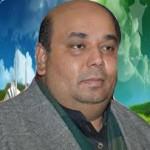 پاکستان پی پی پی کےرہنما کامران گُھمن کا انٹرویو سُننے کیلئے فوٹو پر کلک کریں۔ریڈیو آپکی آواز پربراہِ راست پروگرام میں اُنہوں نے کیا کہا وہ سُنتے ہیں