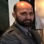 آپکی آواز۔۔۔اوسلو(پ ر) پاکستان عوامی تحریک کے چیئرمین اور منہاج القرآن انٹرنیشنل کے سرپرست اعلیٰ ڈاکٹر محمد طاہرالقادری نے ناروے کی معروف سماجی شخصیت اور معروف صحافی عقیل قادر سے انکے بہنوئی مختار کریم کے انتقال پر کینیڈا سے ٹیلی فون پر اظہار تعزیت کیااور کہا کہ اللہ تعالیٰ آقا کے صدقے اور وسیلے سے مرحوم کی بخشش فرمائے، قبر میںآقا کی پہچان اور قیامت کے دن ان کی شفاعت نصیب فرمائے۔ انہوں نے لواحقین کے صبر کے لیے بھی خصوصی دُعا کی۔
